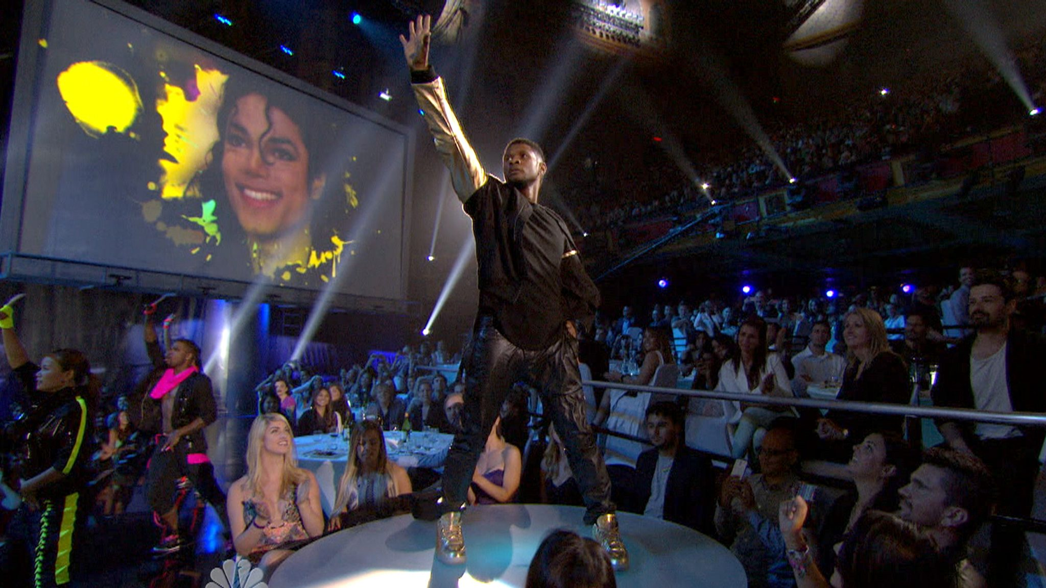 Usher's tribute performance to Michael Jackson